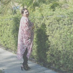 Pinkblush floral chiffon kimono size XXL